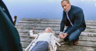 Il dottor Borg soccorre Annabelle dopo lo scontro con Christoph, Tempesta d'amore © ARD Christof Arnold