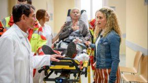 Margit viene ricoverata in ospedale, Tempesta d'amore © ARD Christof Arnold