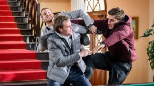 Tim cerca di separare Steffen e Paul, Tempesta d'amore © ARD Christof Arnold