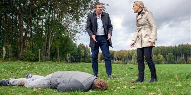 Christoph e Annabelle davanti al corpo del Dottor Borg, Tempesta d'amore © ARD Christof Arnold