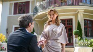 Christoph fa una proposta di matrimonio ad Ariane, Tempesta d'amore © ARD Christof Arnold