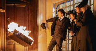 Una vita: Samuel dà fuoco a una valigia sul pianerottolo