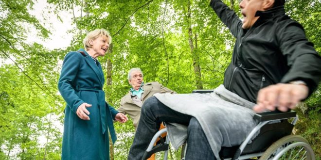 Andre mette in pericolo Dirk per smascherarlo, Tempesta d'amore © ARD Christof Arnold