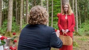 Bela chiede a Lucy di sposarlo,Tempesta d'amore © ARD Christof Arnold