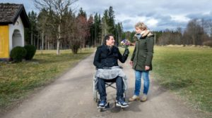 Dirk corteggia Linda, Tempesta d'amore © ARD Christof Arnold
