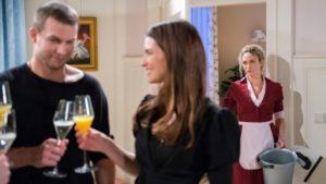 Franzi assiste alla festa per il fidanzamento di Tim e Nadja, Tempesta d'amore © ARD Christof Arnold