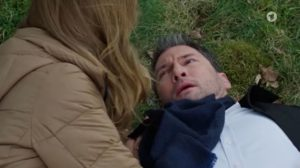 Christoph viene salvato da Ariane, Tempesta d'amore © ARD (Screenshot) 2