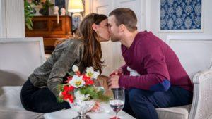 Nadja mette alla prova Tim con un bacio, Tempesta d'amore © ARD Christof Arnold