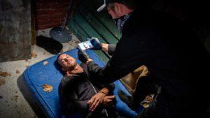 I rapitori fanno un video di Tim con la febbre, Tempesta d'amore © ARD Christof Arnold