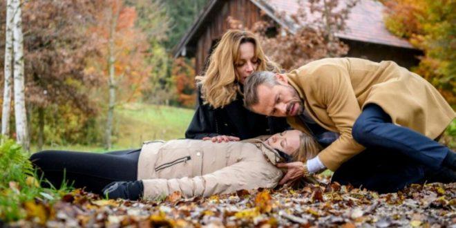 Ariane e Erik trovano Selina senza sensi, Tempesta d'amore © ARD/Christof Arnold