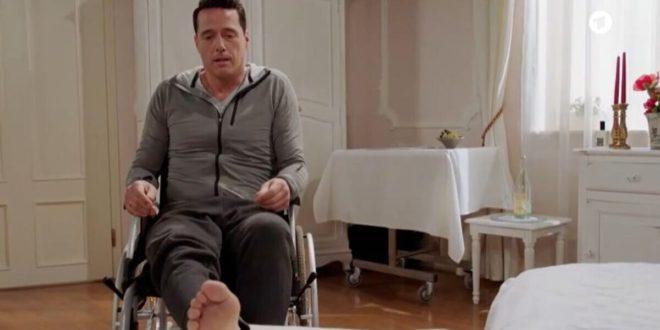 Dirk recupera l'uso delle gambe, Tempesta d'amore © ARD (Screenshot) (1)