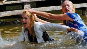 Rosalie e Coco lottano nel lago, Tempesta d'amore © ARD Ann Paur