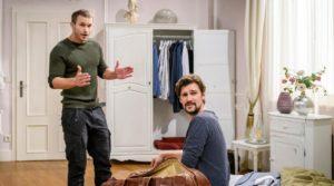 Tobias promette di aiutare Tim a trovare la fonte, Tempesta d'amore © ARD Christof Arnold