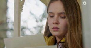 Valentina legge la lettera d'addio di Eva, Tempesta d'amore © ARD (Screenshot) (1)