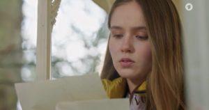 Valentina legge la lettera d'addio di Eva, Tempesta d'amore © ARD (Screenshot)