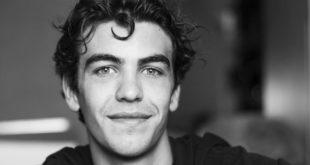 Andrea Savorelli è Pietro Conti a Il paradiso delle signore