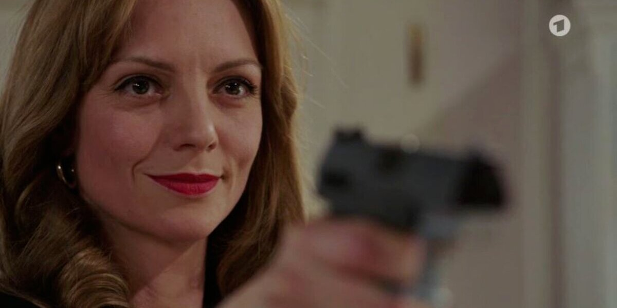 Tempesta d'amore, anticipazioni italiane: Christoph avvicina Karl e Ariane estrae una pistola!