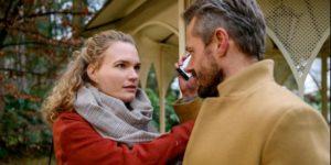 Maja viene ricattata da Erik, Tempesta d'amore © ARD Christof Arnold