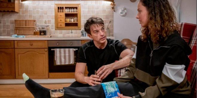 Robert convince Vanessa a operarsi, Tempesta d'amore © ARD Christof Arnold