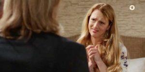 Rosalie chiede aiuto a Michael, Tempesta d'amore © ARD (Screenshot)