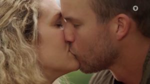 Tim bacia Franzi, Tempesta d'amore © ARD (Screenshot)