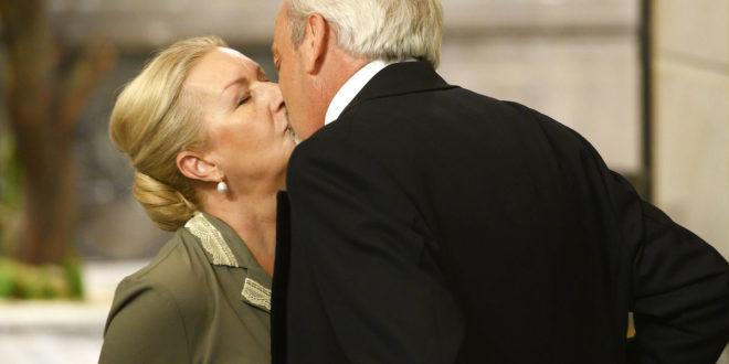 Bacio tra Susana e Armando di Una vita
