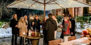 Andre e Leentje vengono sorpresi con una festa d'addio, Tempesta d'amore © ARD Christof Arnold