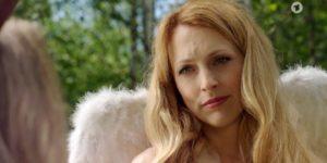 Rosalie si innamora di Michael durante la campagna pubblicitaria, Tempesta d'amore © ARD (Screenshot)