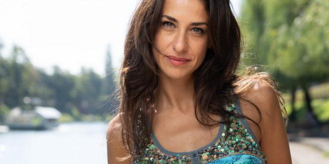 Lara Komar