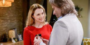 Rosalie fa un regalo speciale a Michael, Tempesta d'amore © ARD Christof Arnold