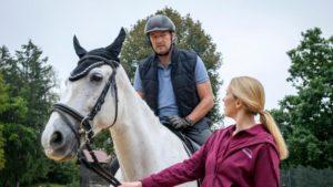 Christoph vince la paura dei cavalli per amore di Selina, Tempesta d'amore © ARD Christof Arnold