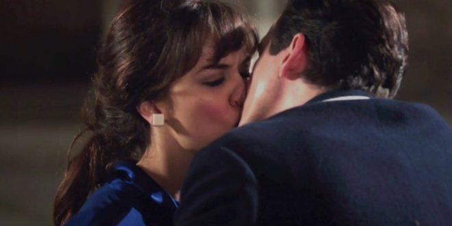 Il bacio tra Marta e Dante a Il paradiso delle signore