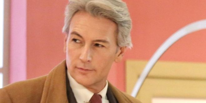 Roberto Farnesi è Umberto Guarnieri a Il paradiso delle signore