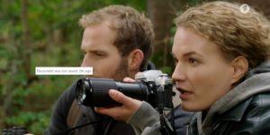Maja e Florian cercano il lupo nel bosco, Tempesta d'amore © ARD (Screenshot)
