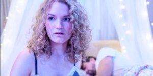 Maja pensa a Florian mentre dorme con Hannes, Tempesta d'amore © ARD Christof Arnold