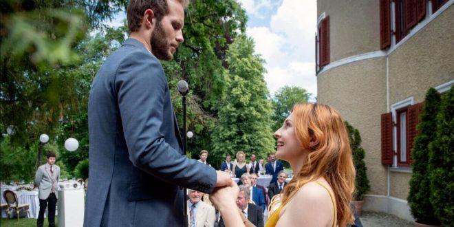 Constanze fa una proposta di matrimonio a Florian, Tempesta d'amore © ARD Christof Arnold