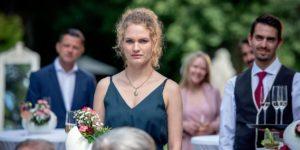 Maja assiste alla proposta di matrimonio di Constanze a Florian, Tempesta d'amore © ARD/Christof Arnold