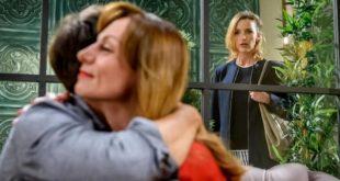 Cornelia vede Robert insieme ad Ariane, Tempesta d'amore © ARD Christof Arnold (1)