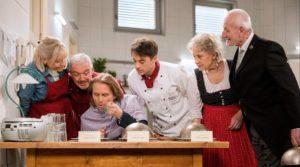 Michael deve decidere chi è il cuoco migliore, Tempesta d'amore © ARD Christof Arnold