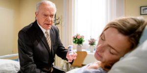 Werner crede che Cornelia abbia tentato il suicidio, Tempesta d'amore © ARD Christof Arnold