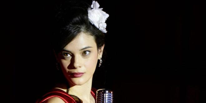 Tina Amato (Neva Leoni) / Il paradiso delle signore